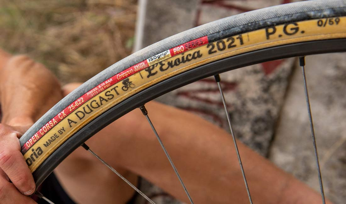 Vittoria made by A Dugast L Eroica limited edition 25mm retro vintage tubular road bike tires,sidewall Open Corsa CX tread detail