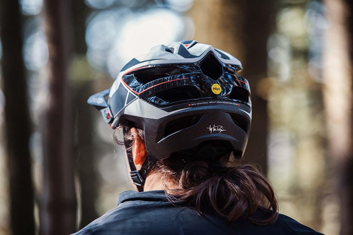 troy lee designs a3 mtb helmet mips review