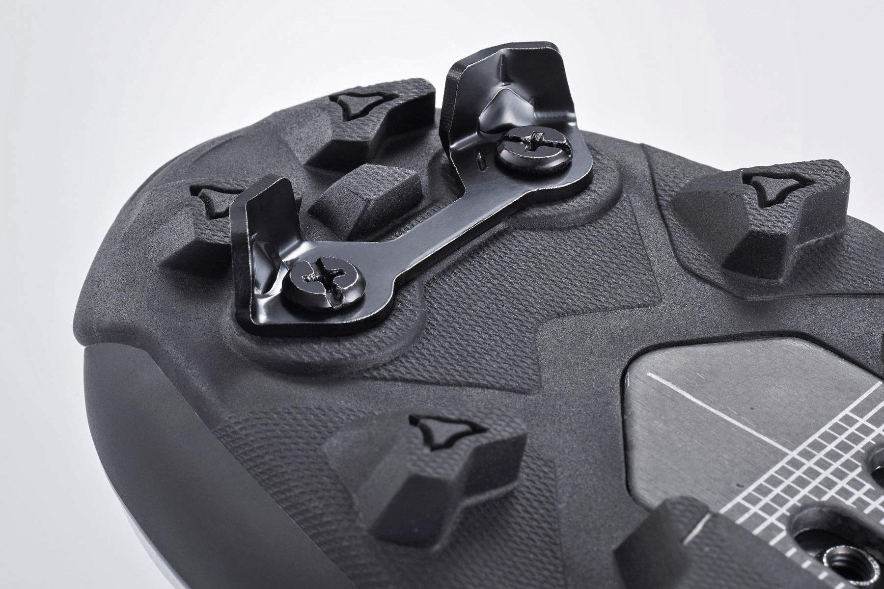 Shimano S-Phyre XC902 MTB shoes, next-gen XC9 cross-country mountain bike shoe,talon crampon toe-spikes
