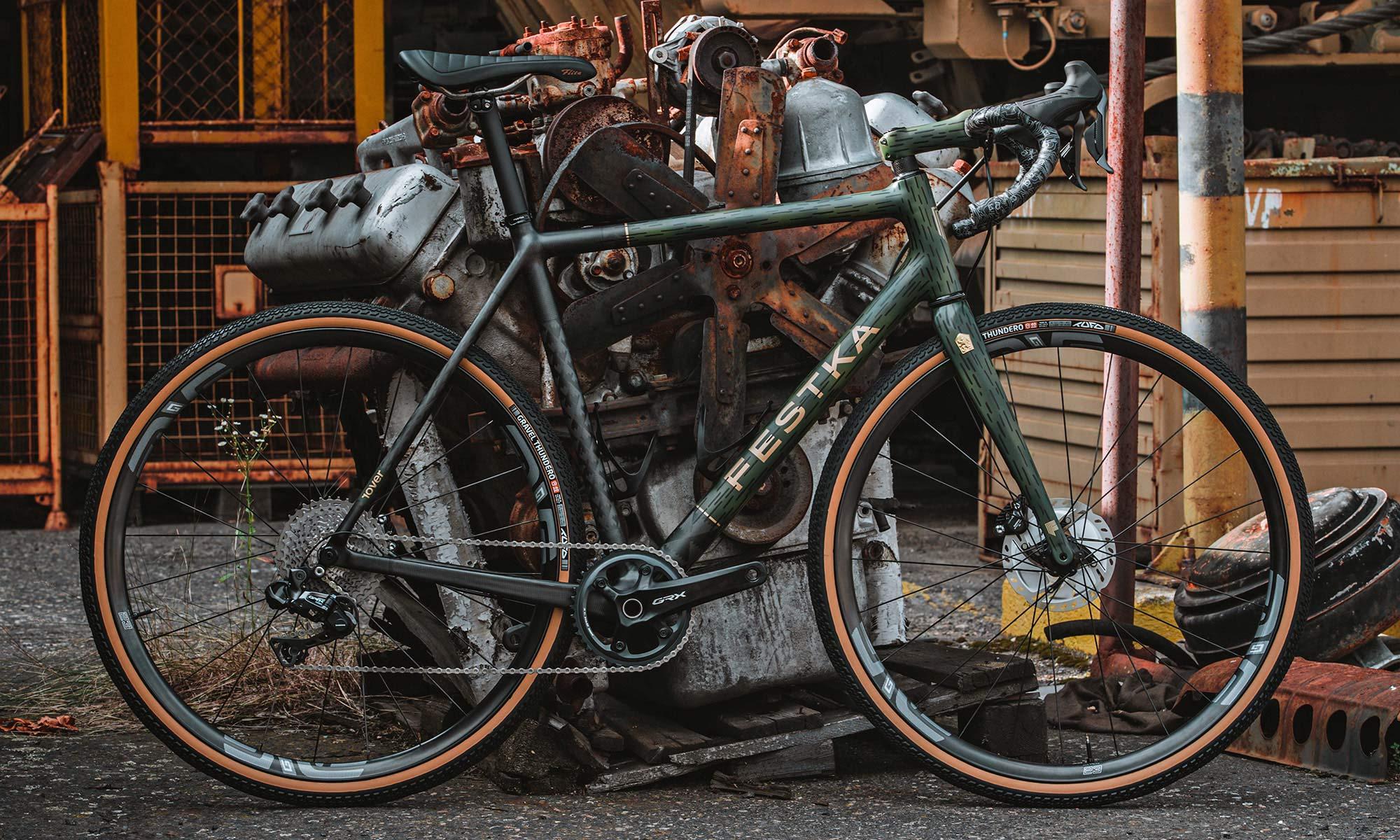Festka Rover custom carbon gravel bike