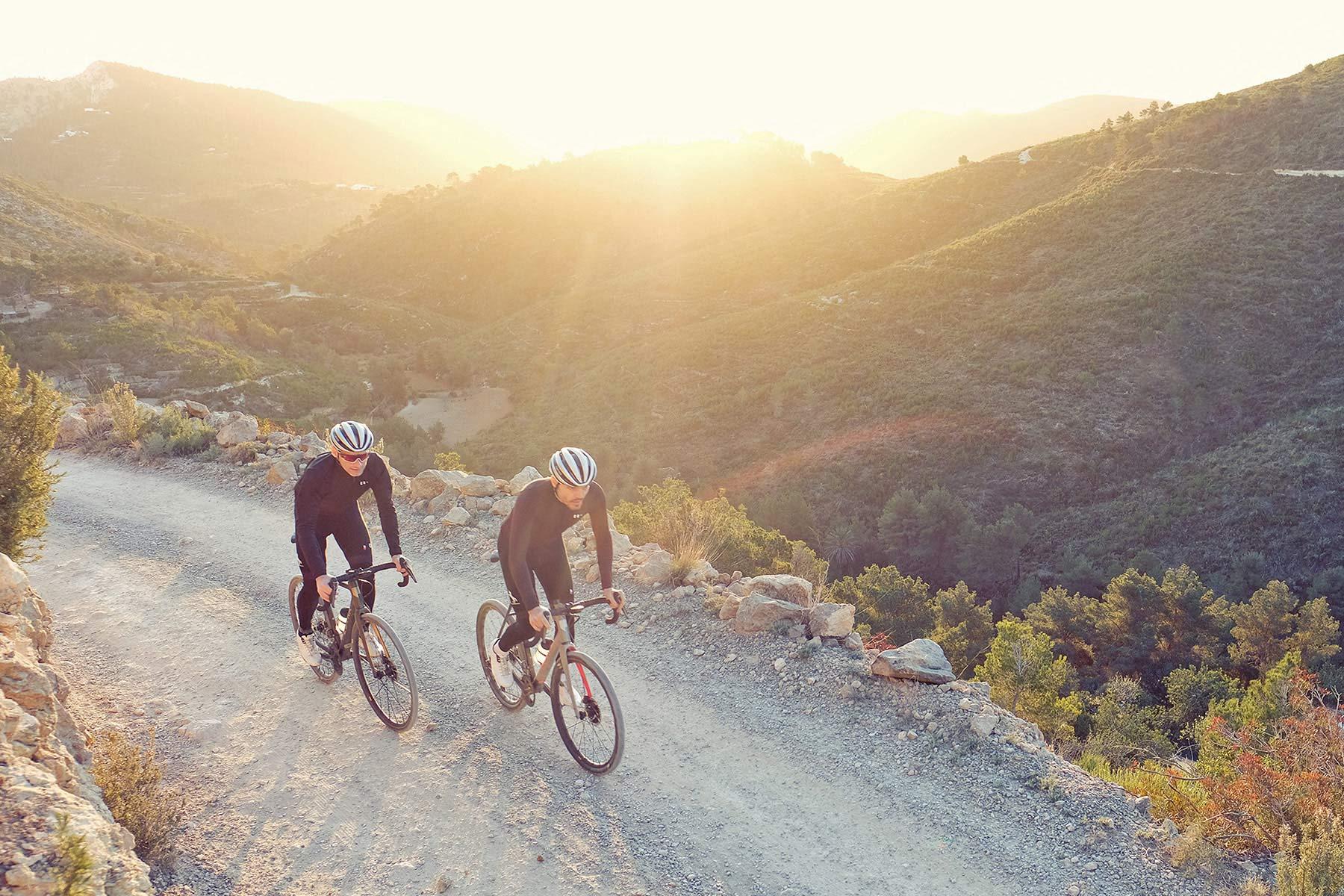 All-new Festka Scout custom carbon gravel bike, adventure bikepacking gravel bikes,Rover gravel riding