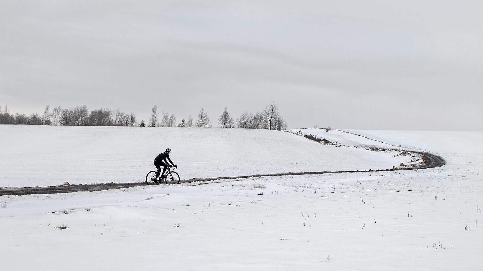 All-new Festka Scout custom carbon gravel bike, adventure bikepacking gravel bikes,winter test riding
