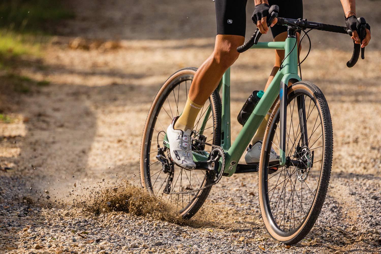 2022 Bianchi Impulso Pro carbon gravel bike, Zolder Pro CX cross cyclocross bike reborn,slide