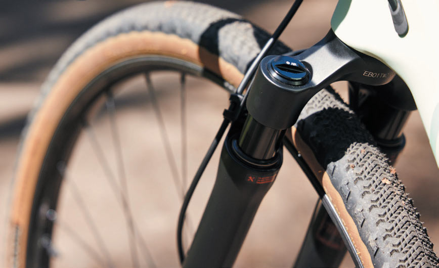 rear view of 2022 rockshox rudy suspension fork for gravel bikes