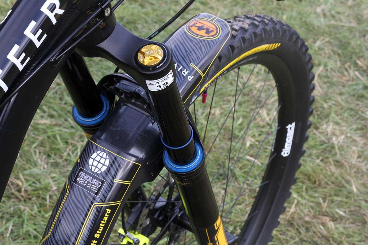 matt stuttard privateer 161 pro bike check ohlins rxf38 m.2 air spring fork 170mm