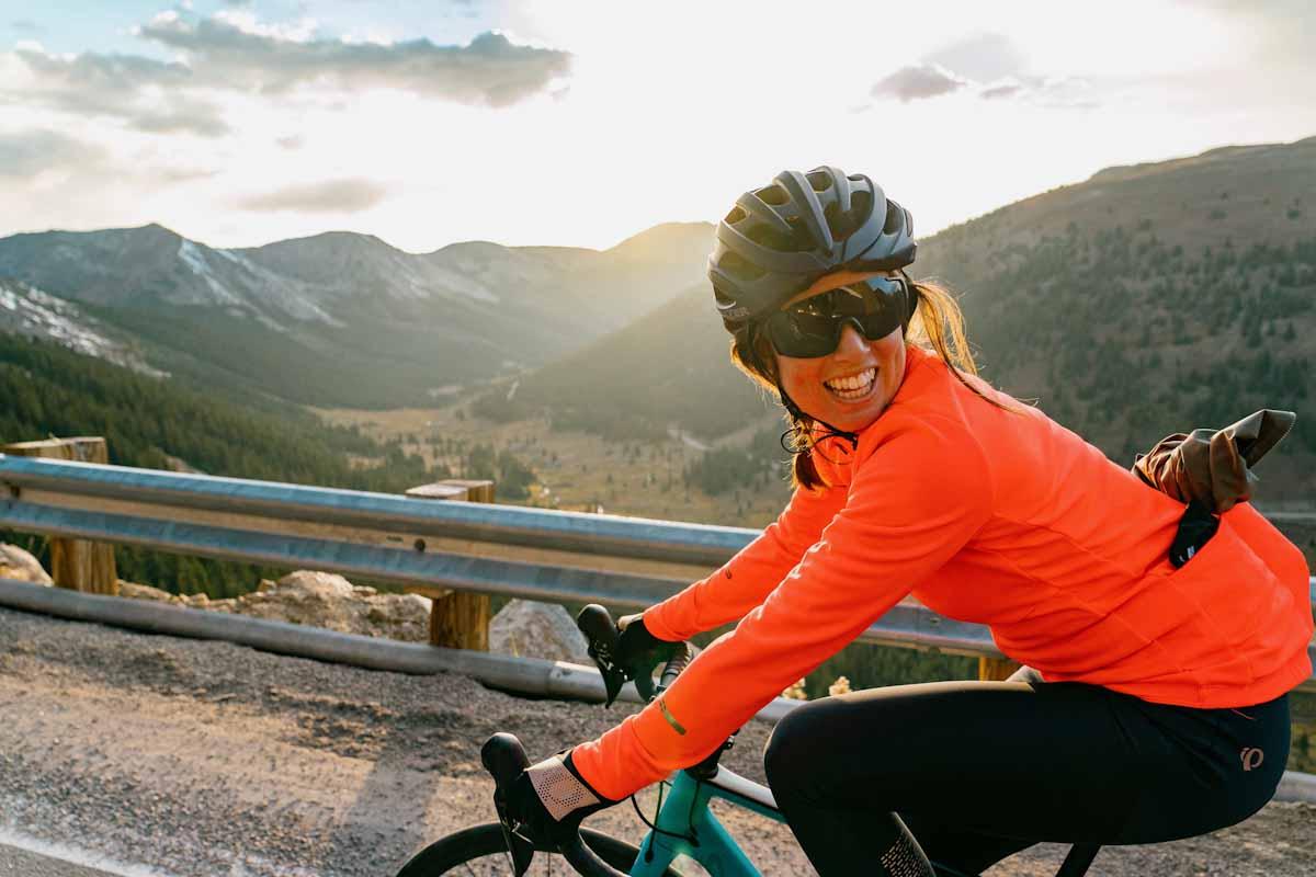 Pearl iZUMi Fall 2021, female rider