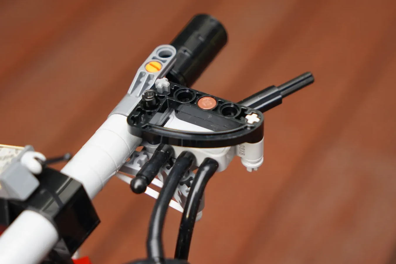 working pneumatic bicycle brakes made from lego bricks