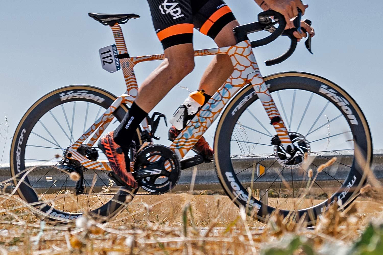 2022 Orbea Orca Aero prototype raced by Euskaltel Euskadi at La Vuelta Espana, photo by Markel Bazanbide, complete bike