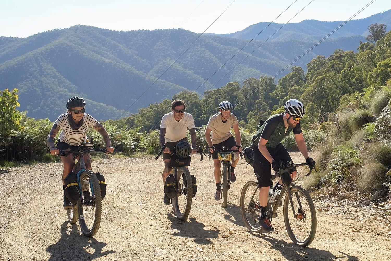 Curve Remlaw gravel adventure flat bar, forwardswept & backswept MTB bikepacking bar,riding