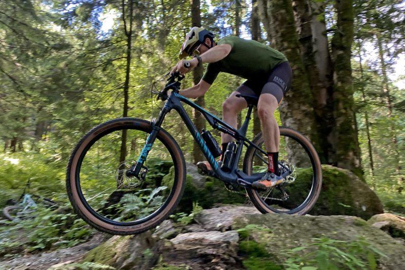 Canyon Lux Trail, a slightly longer travel downcountry XC marathon light trail mountain bike review, Zdobnice