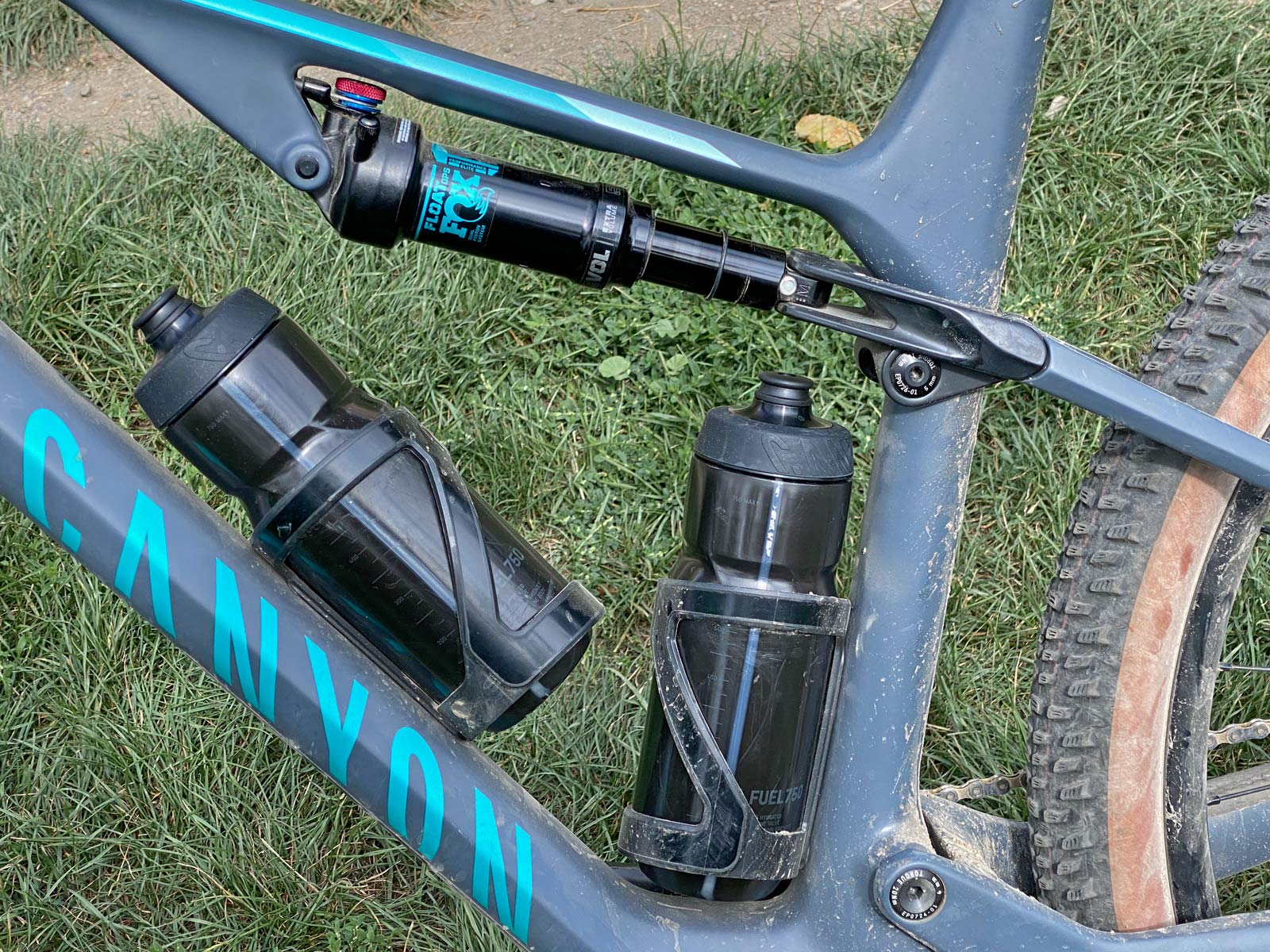 Canyon Lux Trail, a slightly longer travel downcountry XC marathon light trail mountain bike review, front triangle