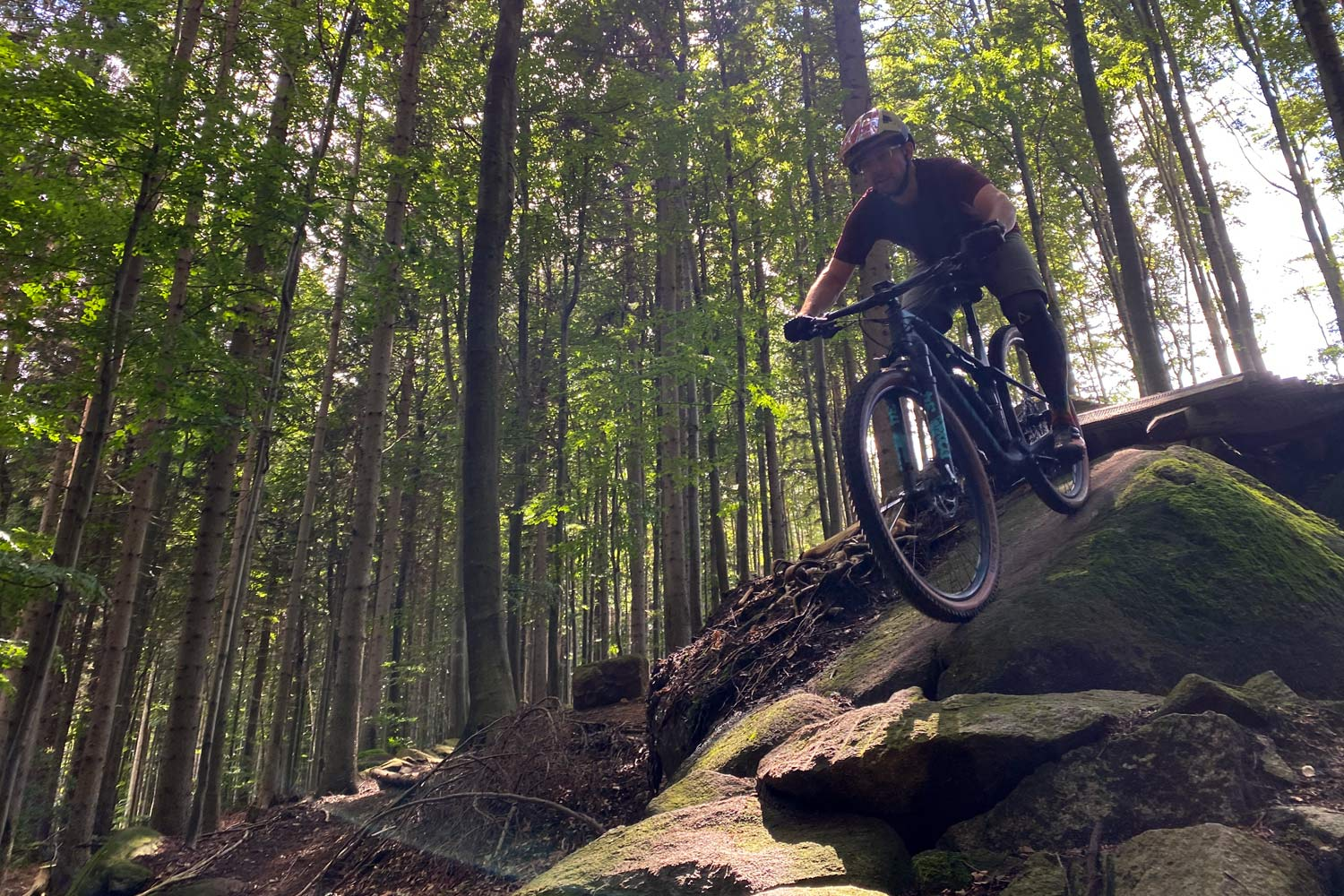 Canyon Lux Trail, a slightly longer travel downcountry XC marathon light trail mountain bike review, Rychleby rocks