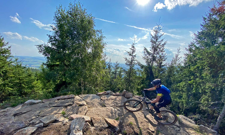 Canyon Lux Trail, a slightly longer travel downcountry XC marathon light trail mountain bike review, Dolni Morava
