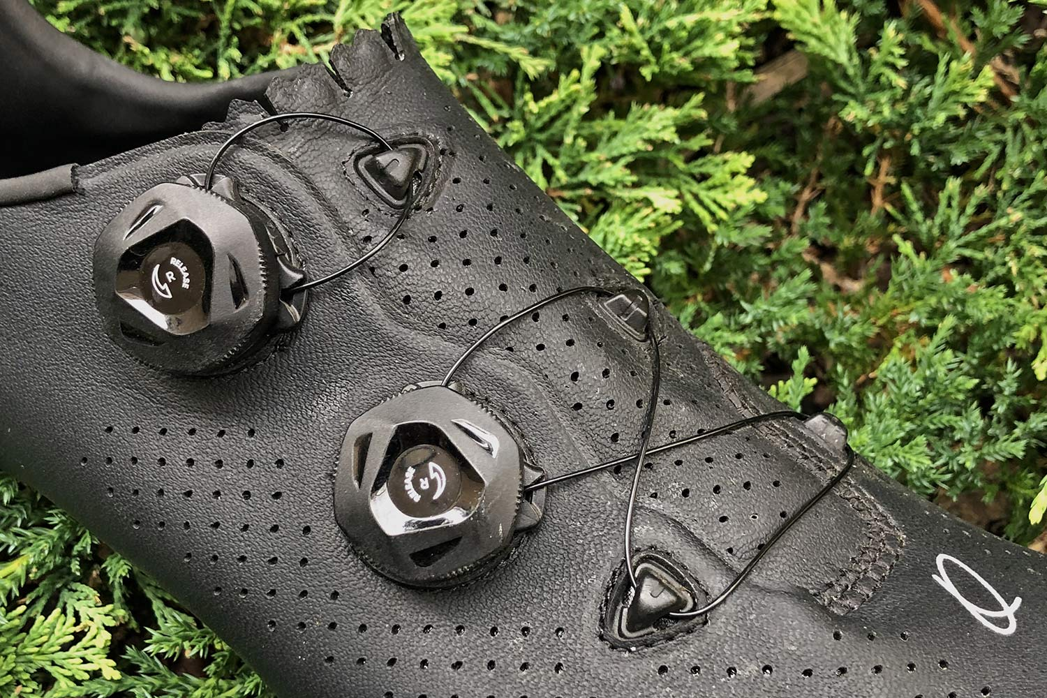 Quoc Mono II lightweight carbon-soled road cycling shoes Review,dial retention