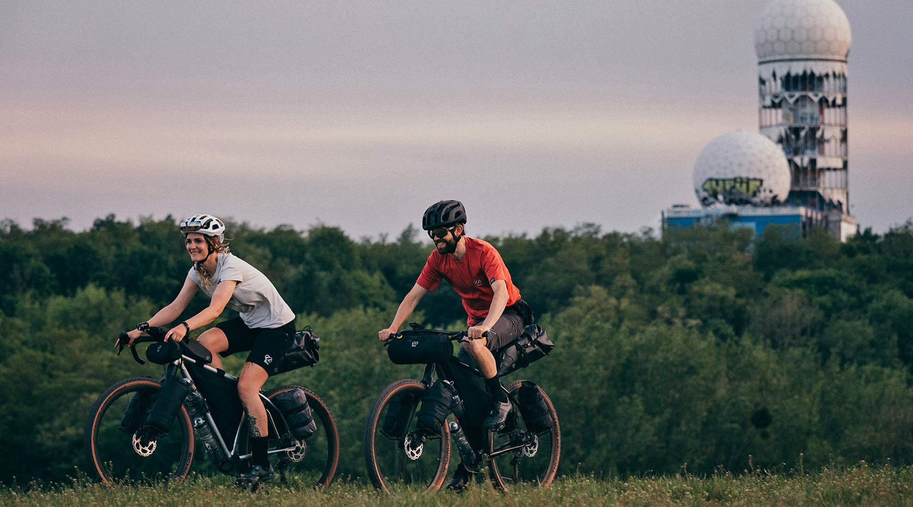 8bar Tflsberg steel off-road adventure bikepacking mountain bike, photo by Stefan Haehnel,Berlin riding