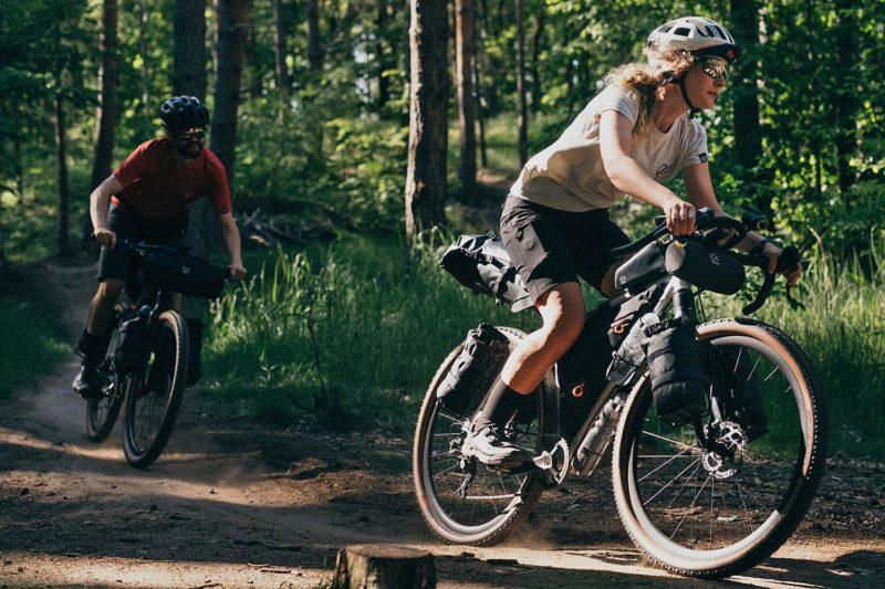 8bar Tflsberg steel off-road adventure bikepacking mountain bike, photo by Stefan Haehnel,riding