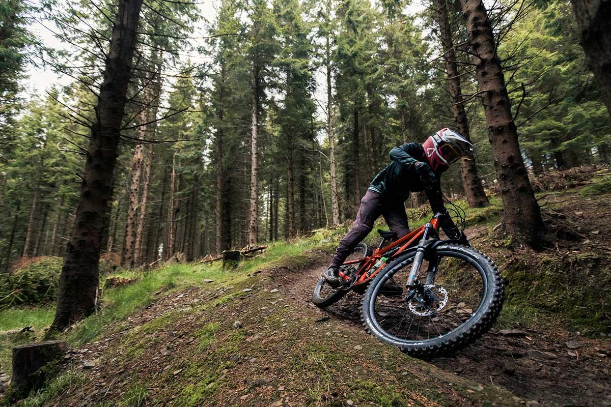 cornering michelin wild enduro tires wet trail conditions