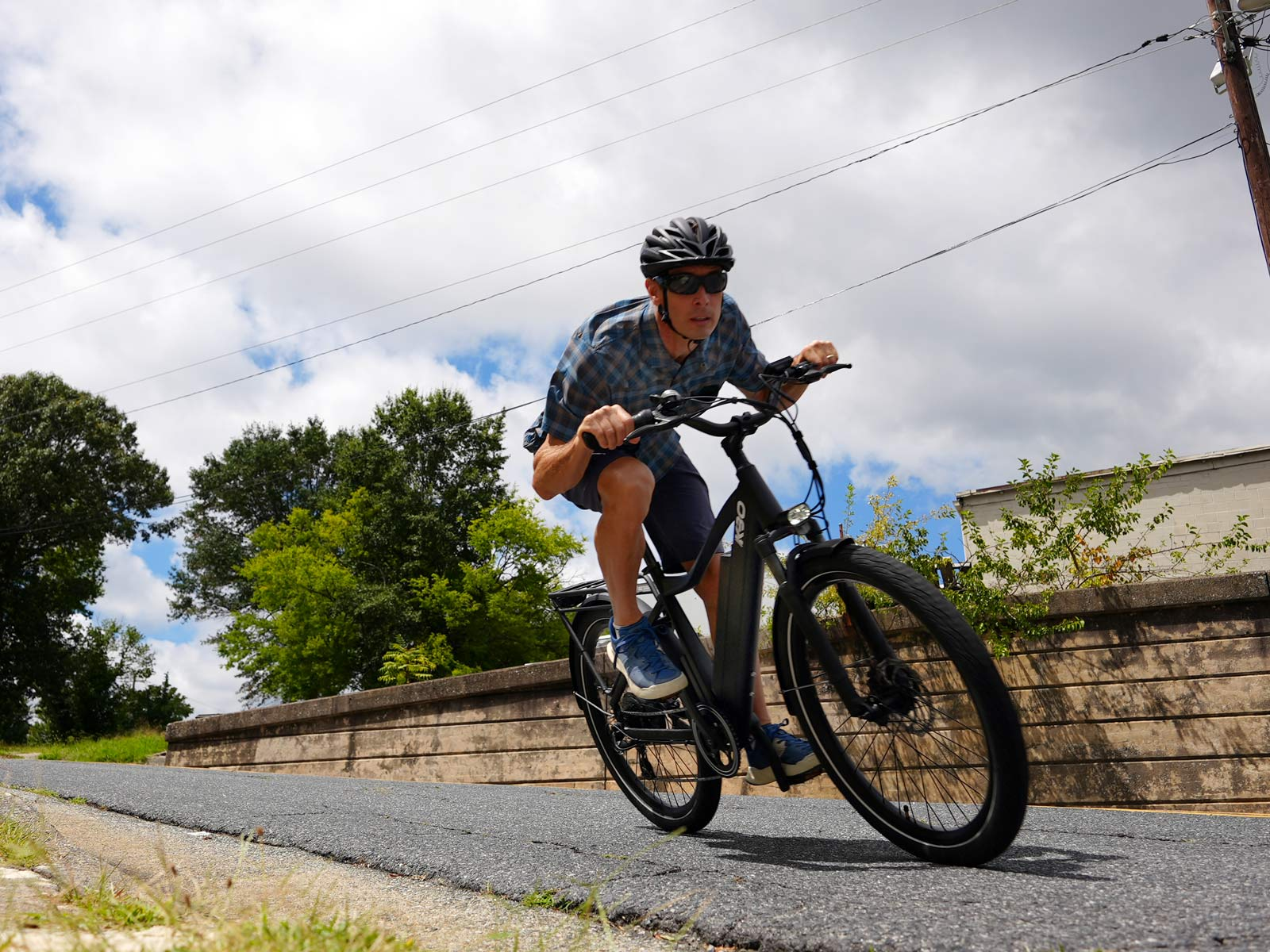 rider carving a corner with the KBO Breeze e-bike
