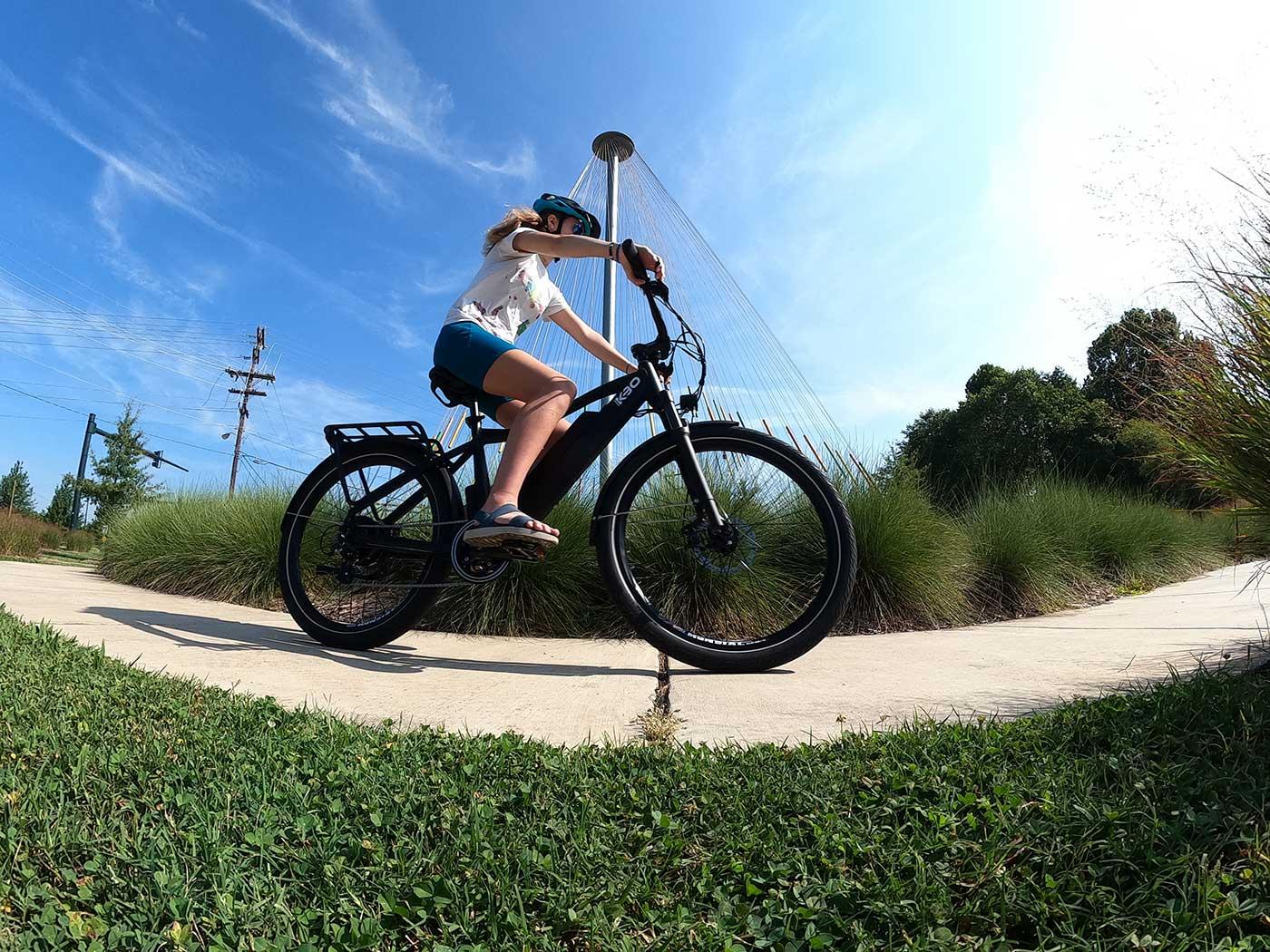 girl riding the kbo breeze e-bike
