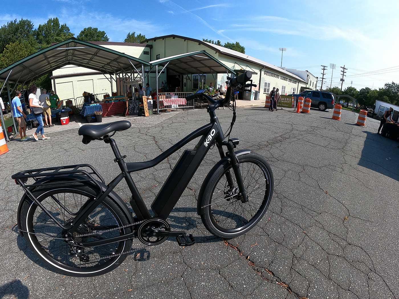 kbo breeze e-bike at the farmers market
