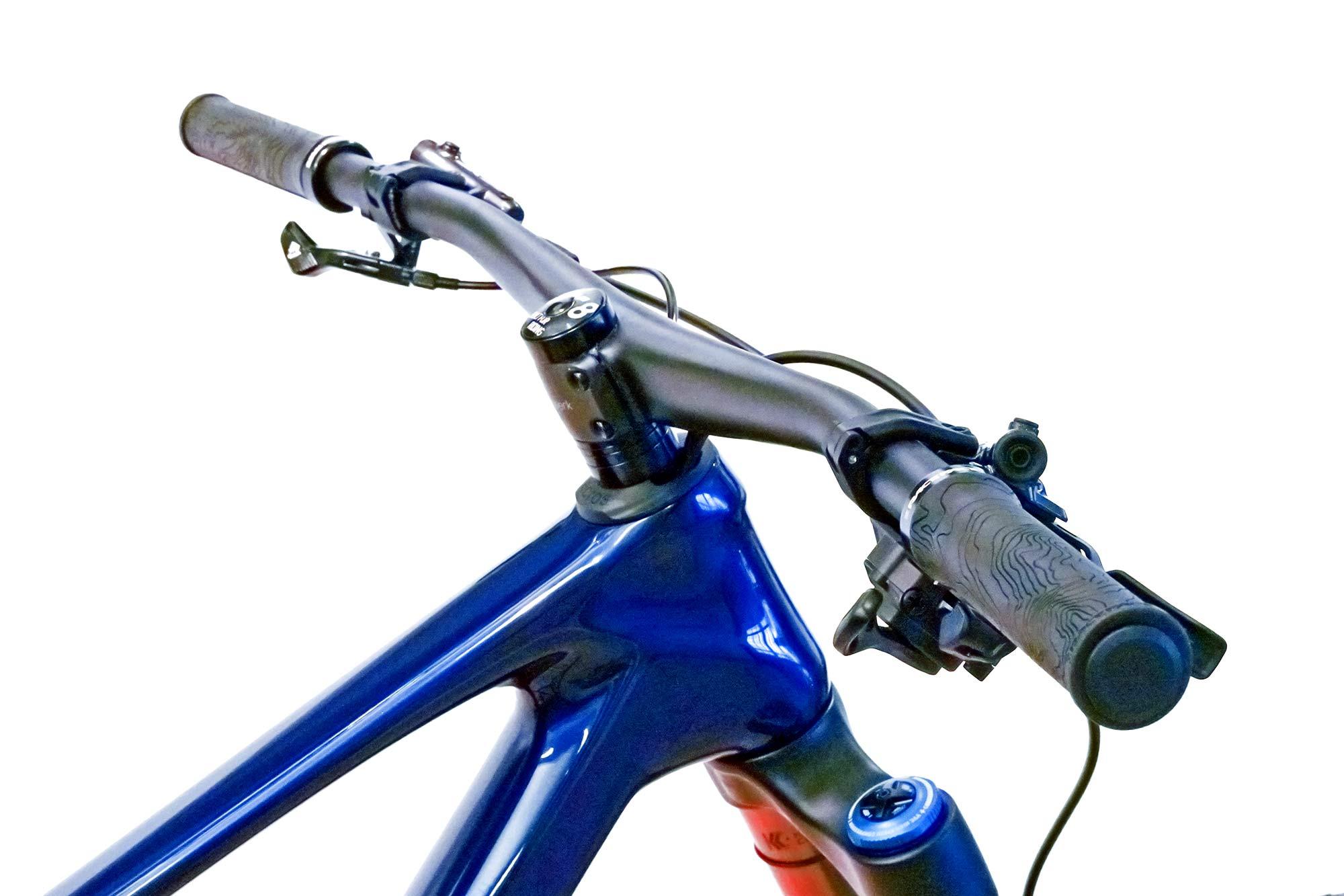 Faserwerk Baslerstab direct-mount lightweight carbon MTB handlebar, on bike