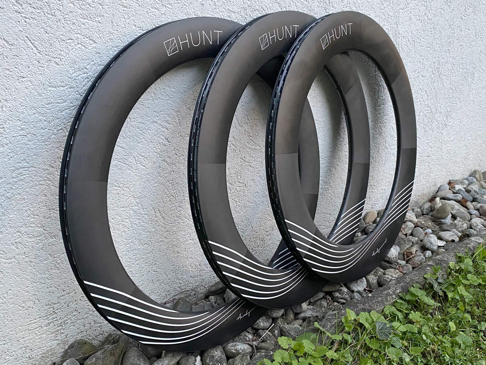 Hunt deep Aerodynamicist aero carbon TT Triathlon wheels, angled