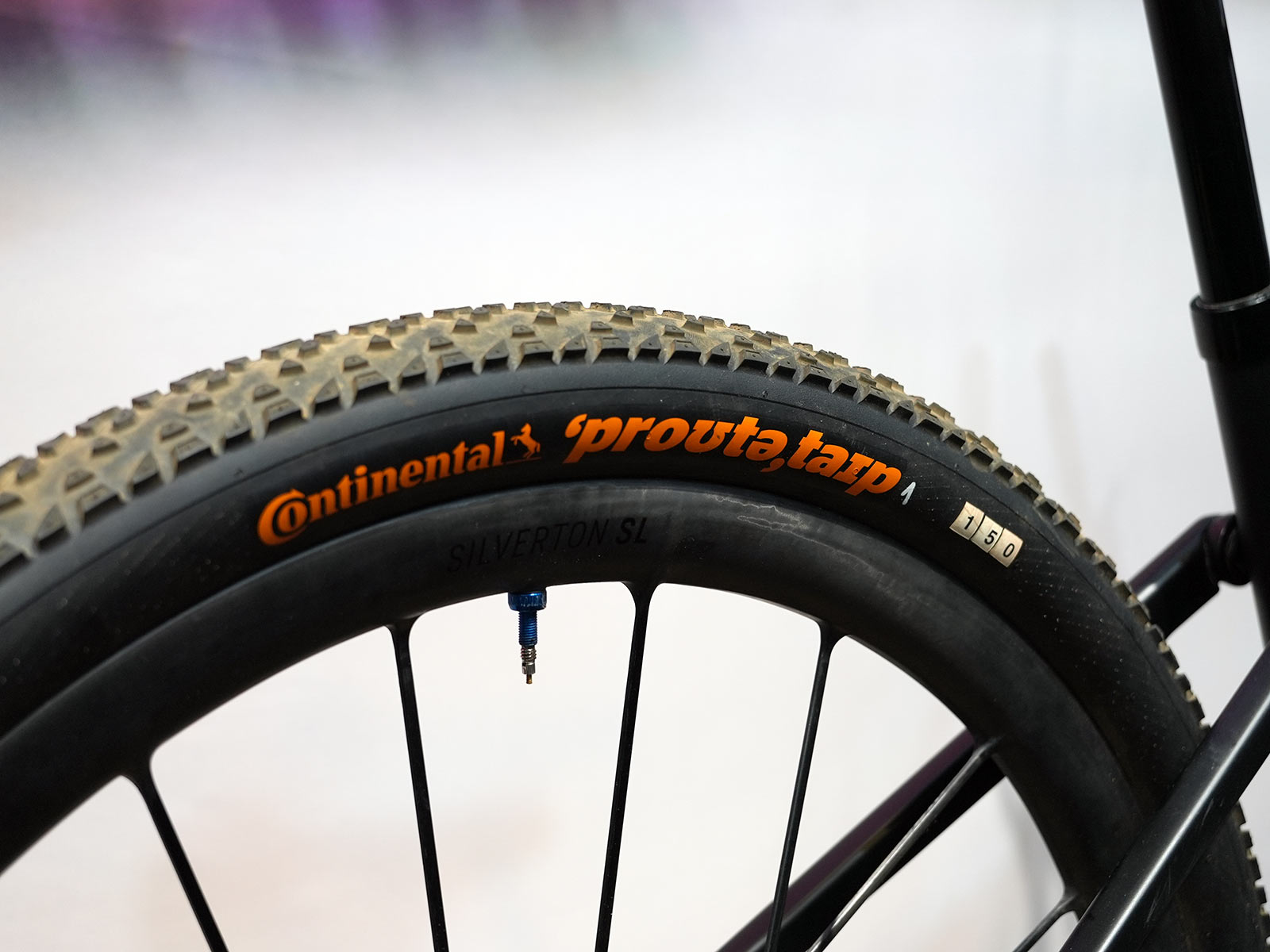 prototype continental 150 tpi mountain bike tires on tom pidcock's olympic MTB