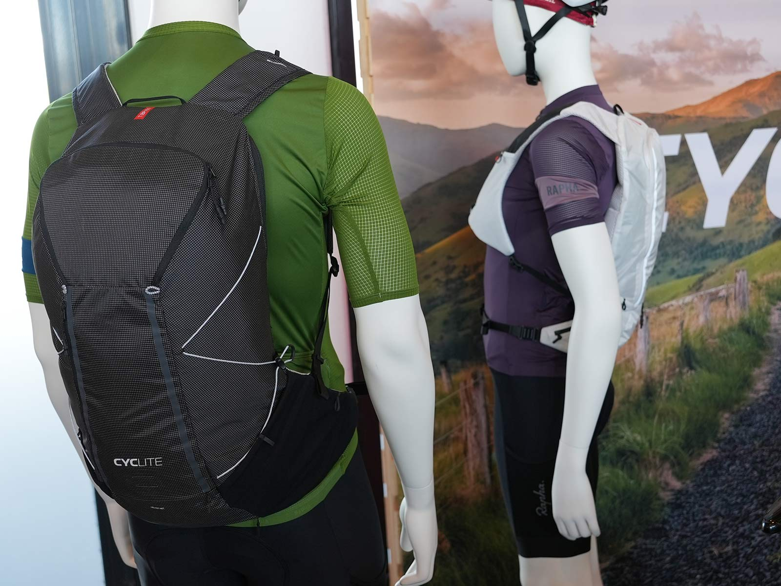 cyclite ultralight hydration backpack for riding and hiking