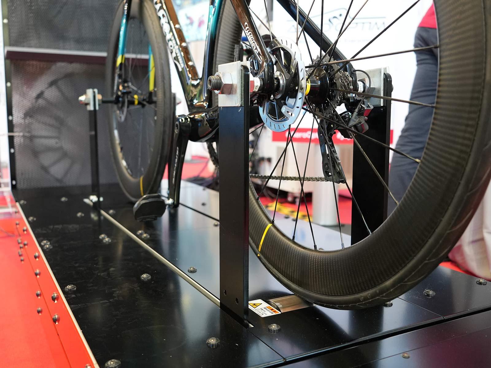 strain gauge platform for measuring aerodynamic drag in the portable aero optim wind tunnel