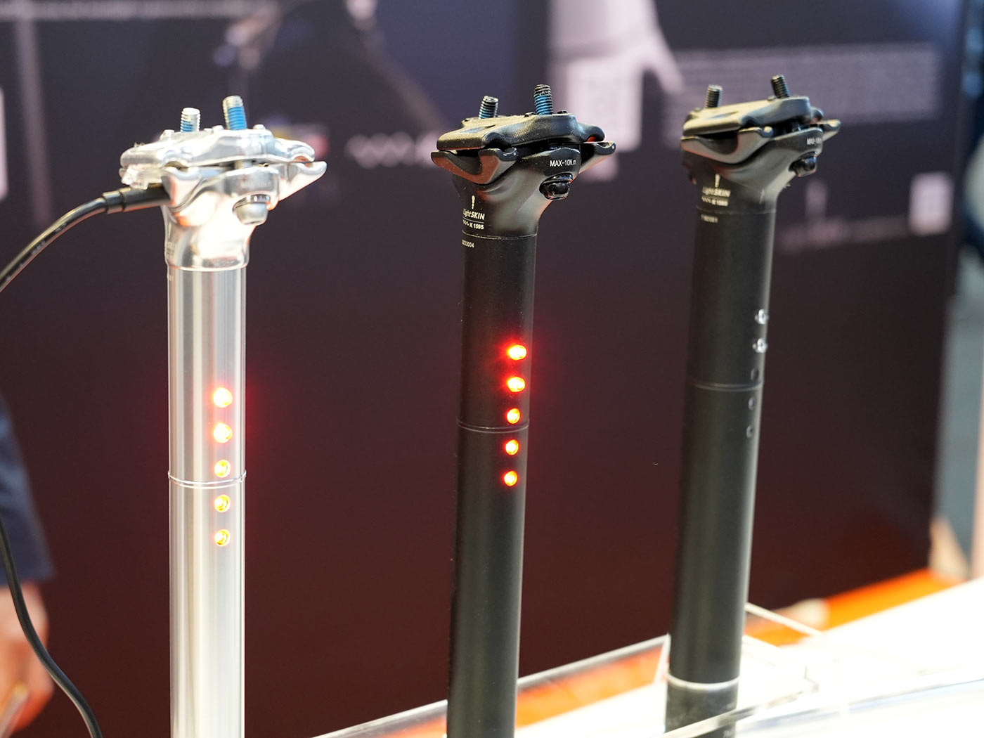 lightskin bicycle seatpost with integrated tail lights