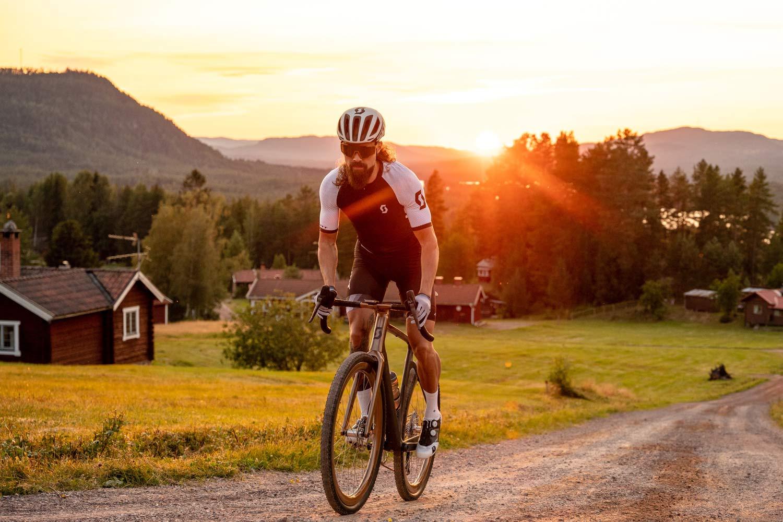 custom Scott Addict Gravel Tuned Dangerholm edition lightweight carbon prototype gravel bike project,sunset