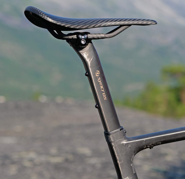 custom Scott Addict Gravel Tuned Dangerholm edition lightweight carbon prototype gravel bike project,customized Syncros seatpost