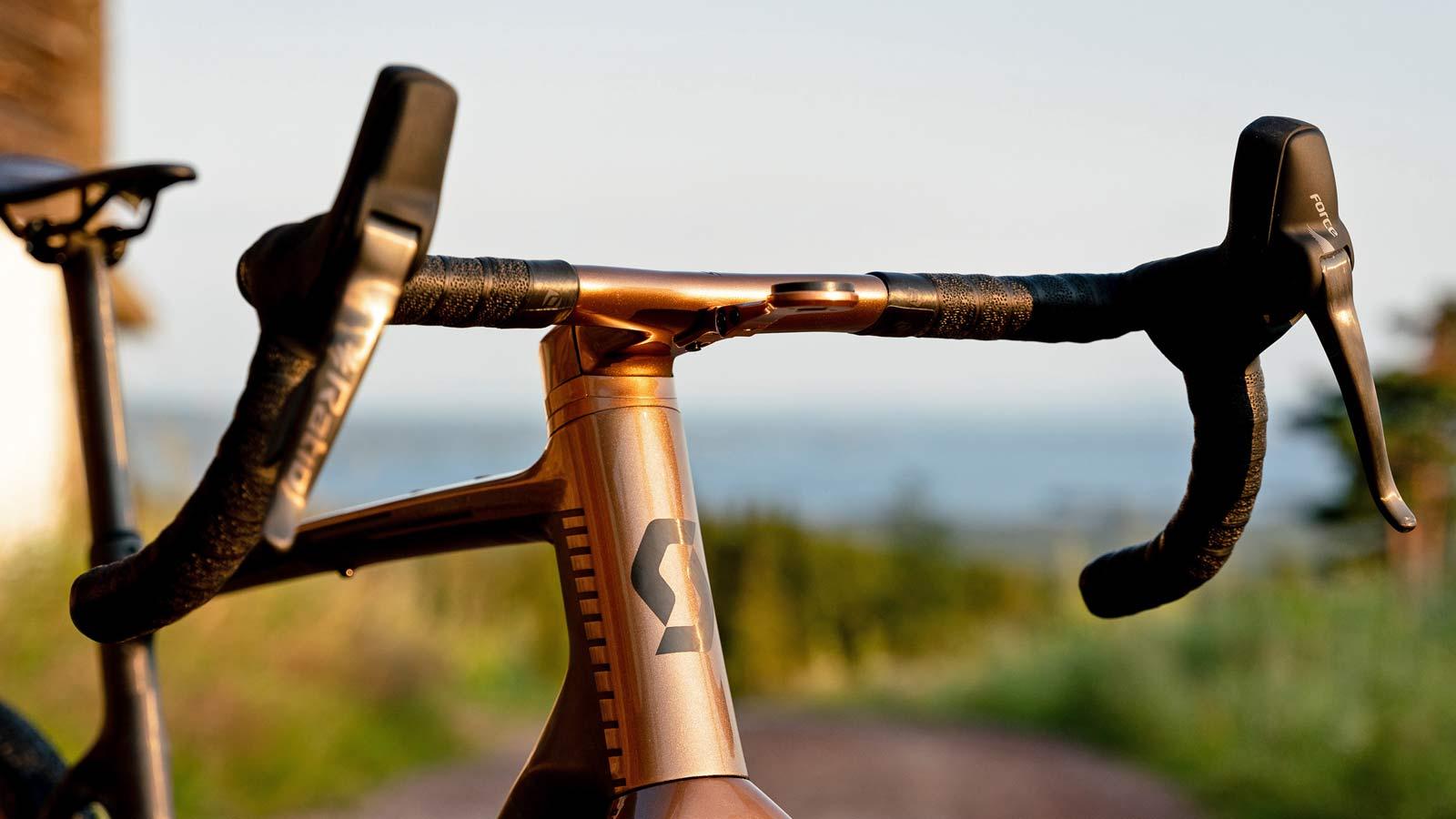 custom Scott Addict Gravel Tuned Dangerholm edition lightweight carbon prototype gravel bike project,Syncros cockpit