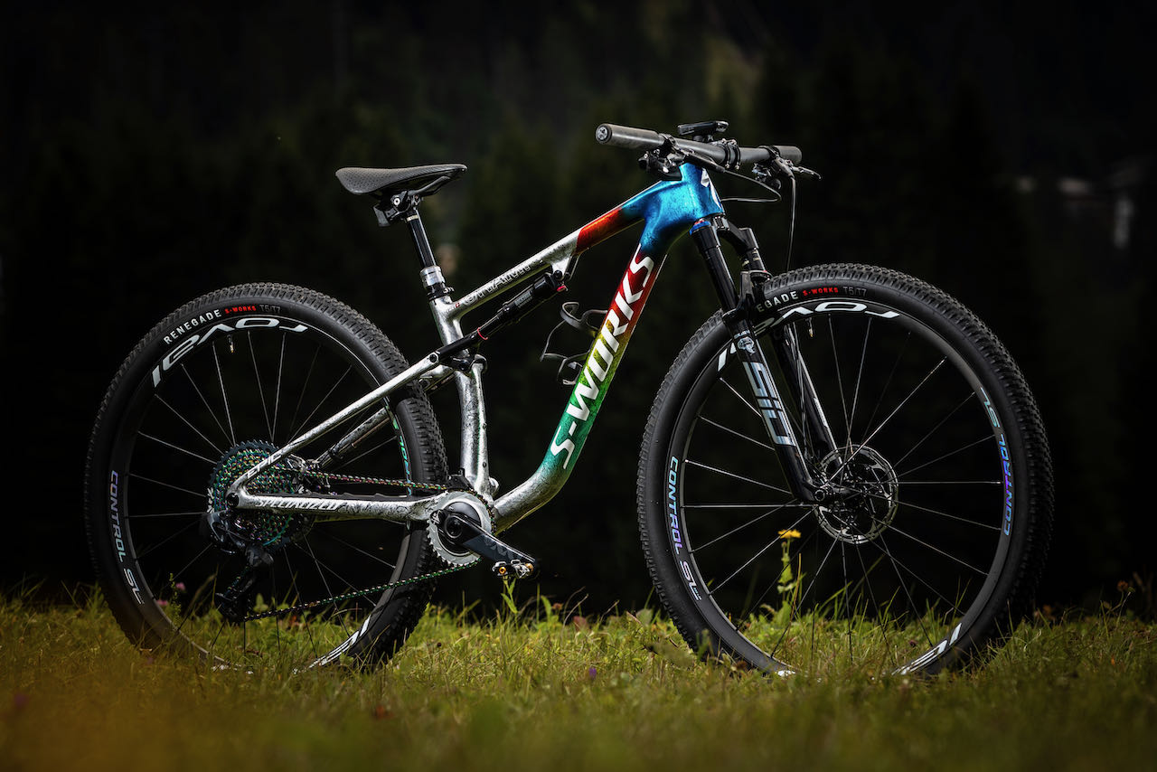 Specialized World Champion limited edition Epic full bike side