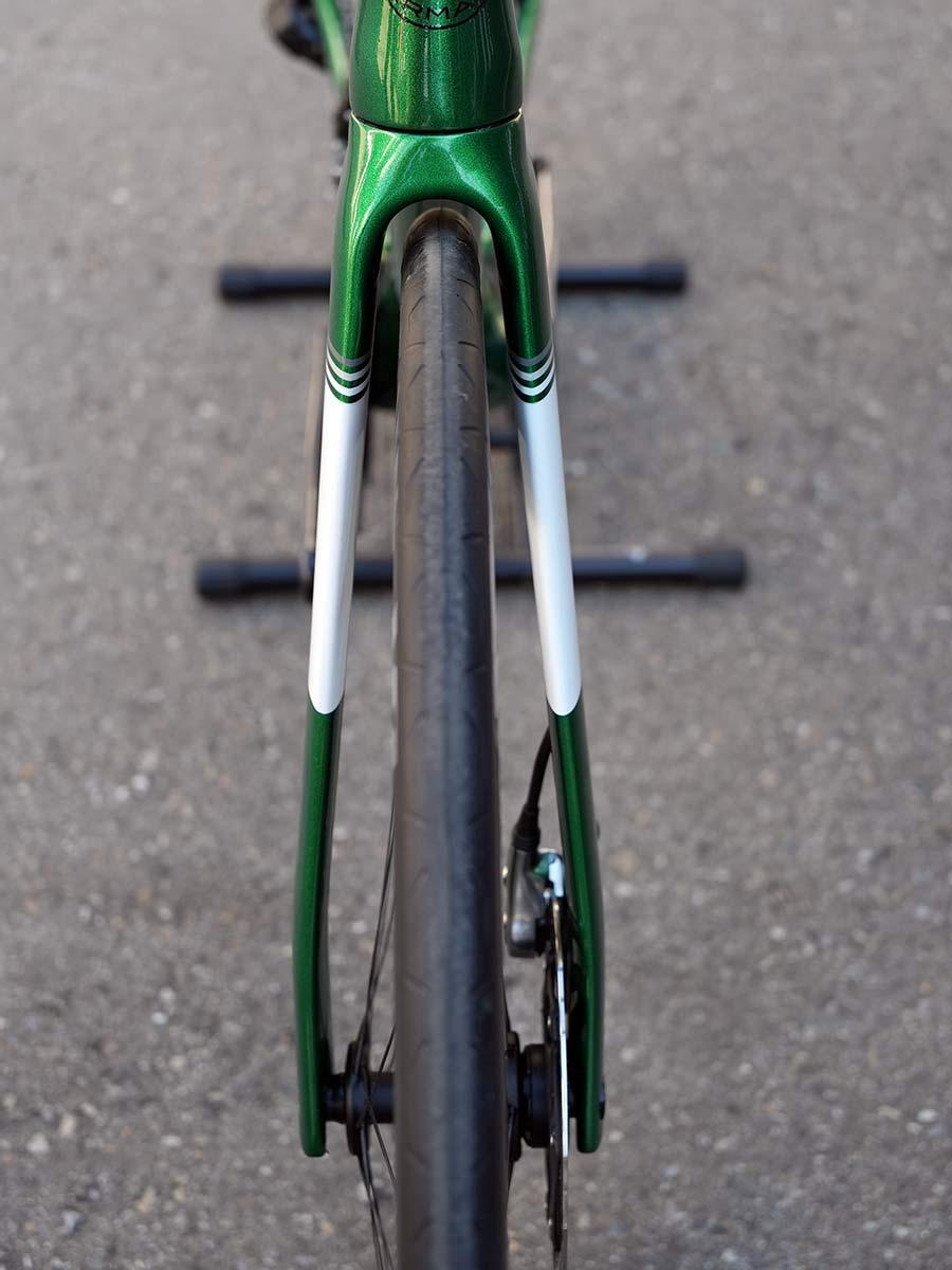 2022 storck aerfast aero road bike fork closeup