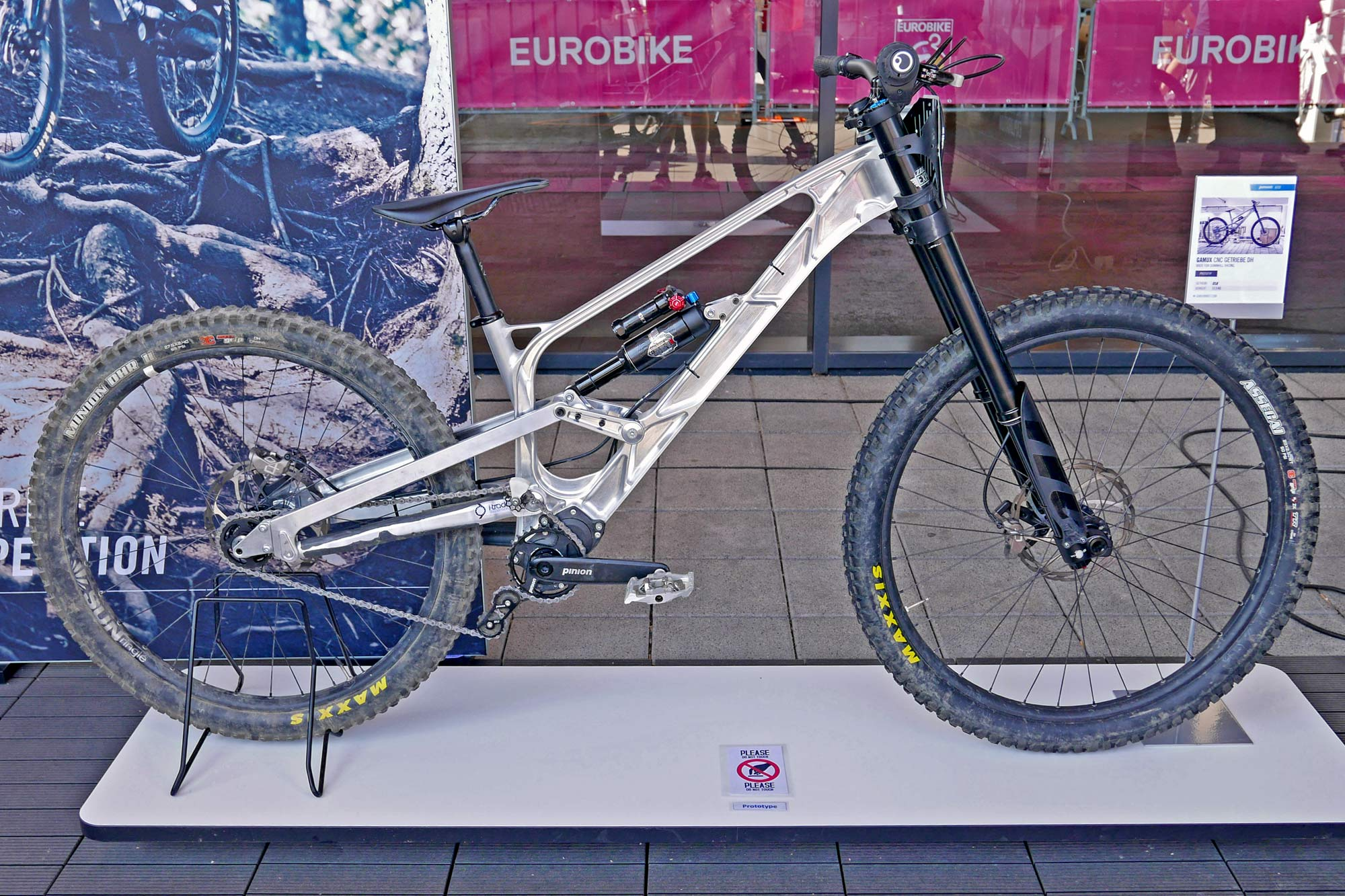 Gamux CNC 197 Gearbox DH, prototype Pinion gearbox downhill bike, complete