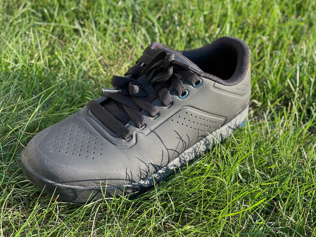 Giro Latch MTB shoes close up