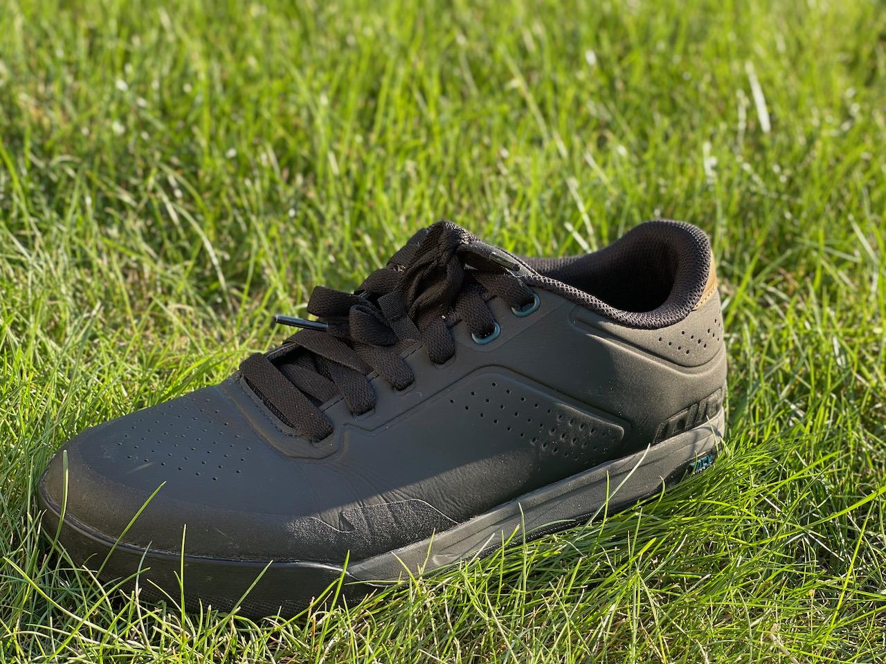 Giro Latch MTB shoes solo 2