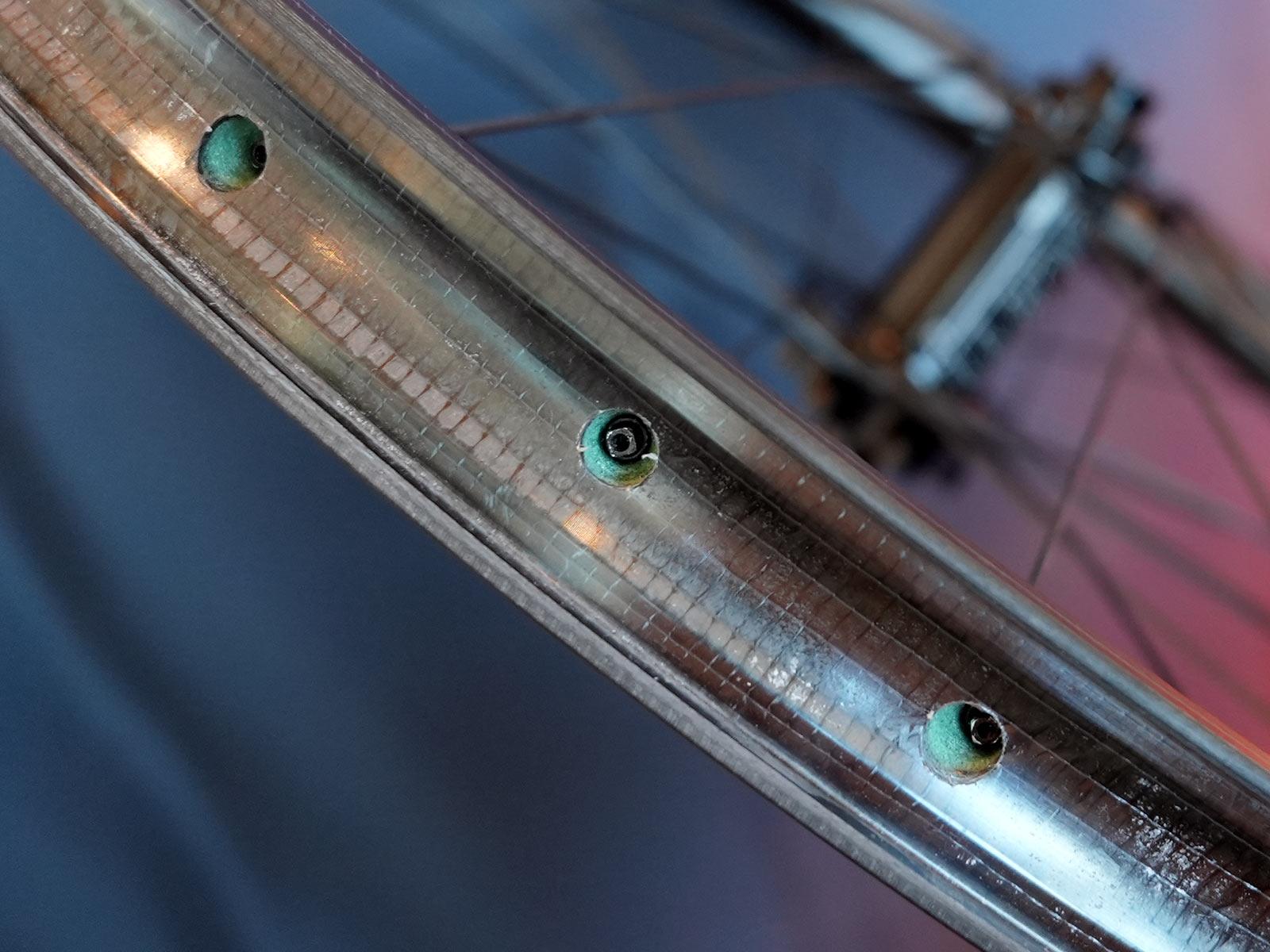 foam core inside lilienthal carbon fiber mountain bike rims