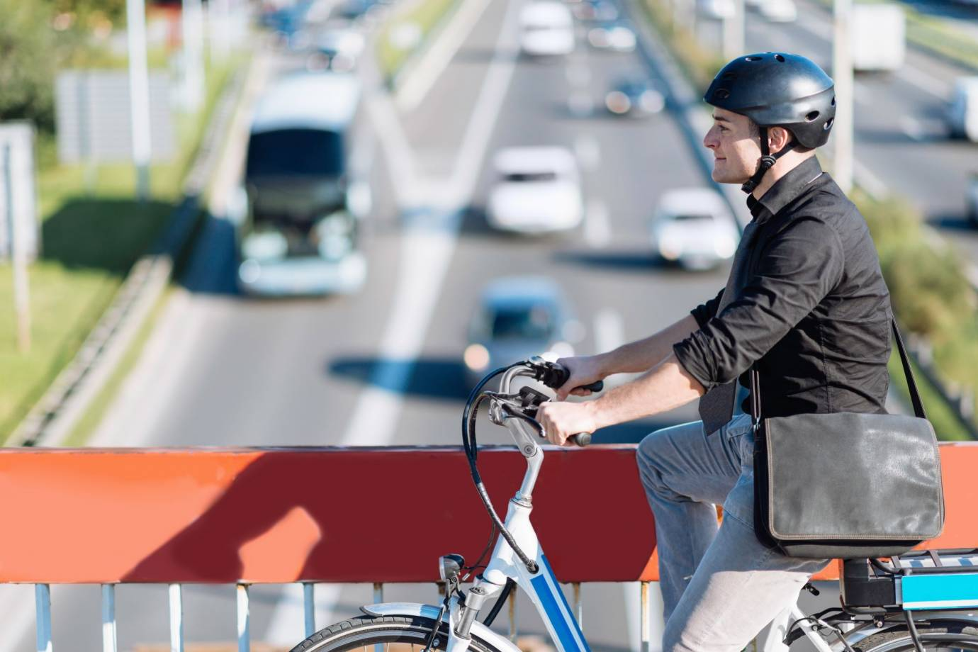 the bicycle commuter act would pay bike commuters cash