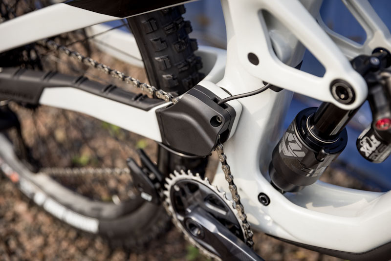 Devinci Spartan HP, idler and routing