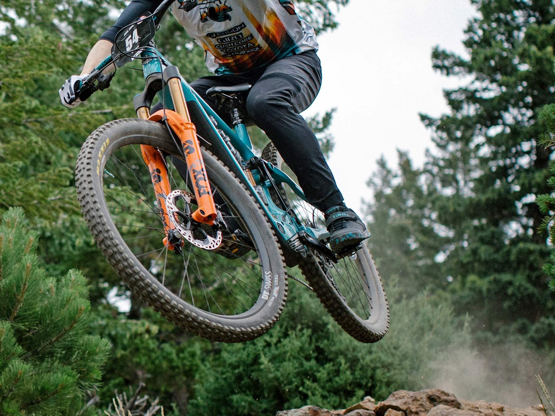 Yeti 160E EWS racing e-bike, all-new 6-bar suspension carbon 160mm eMTB,Jared Graves jump