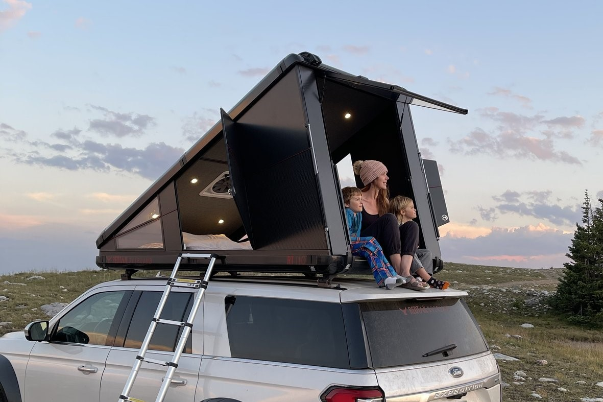 red tail overland rooftop tent