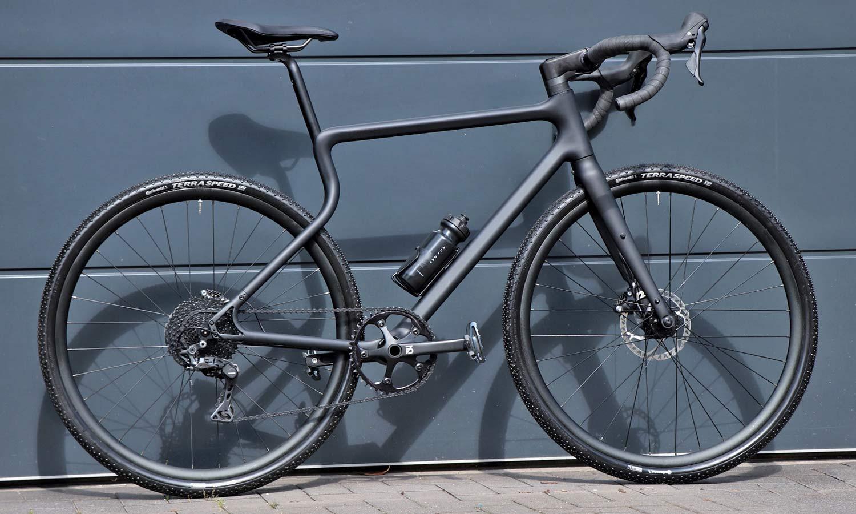 Urwahn Waldwiesel 3D-printed steel gravel bike no seattube, plus Waldwiesel.E hidden e-bike option,complete