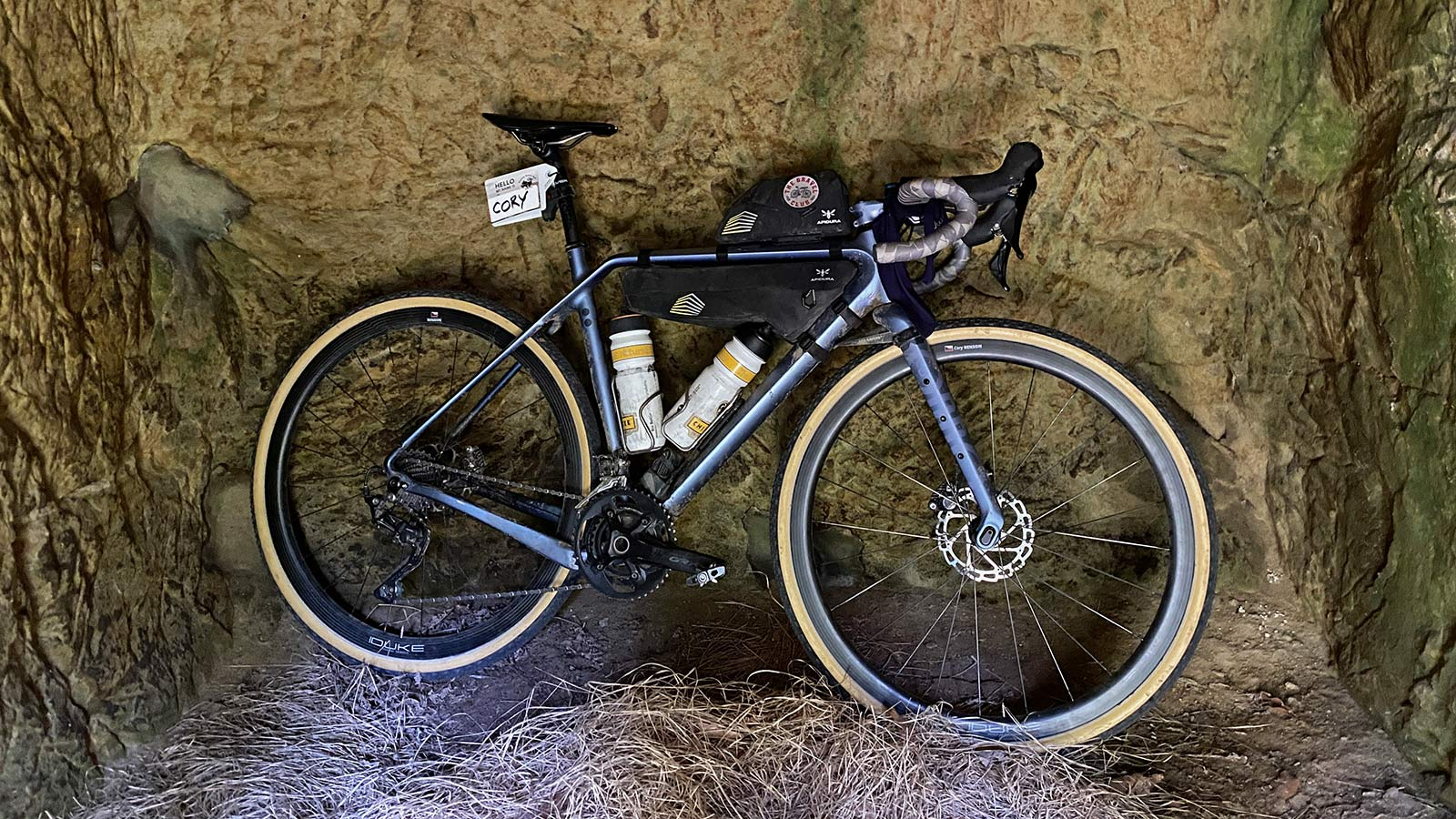 Challenge triples Getaway sizes, give gravel new rubber, plus more tubeless tubulars