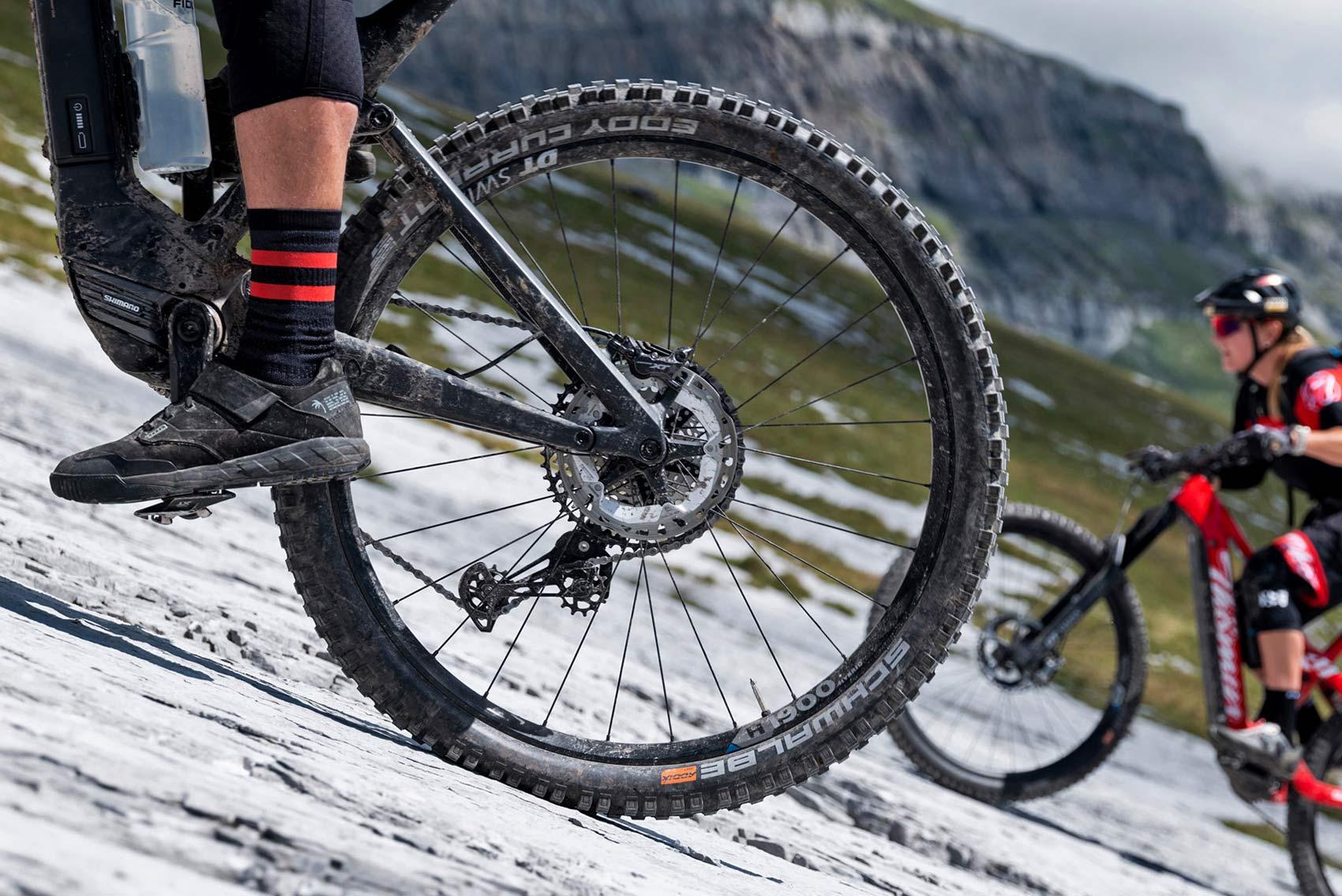 DT Swiss Hybrid 2 eMTB wheels, heavy-duty stronger e-bike hubs spokes wheels, detail photo by Gaudenz Danuser