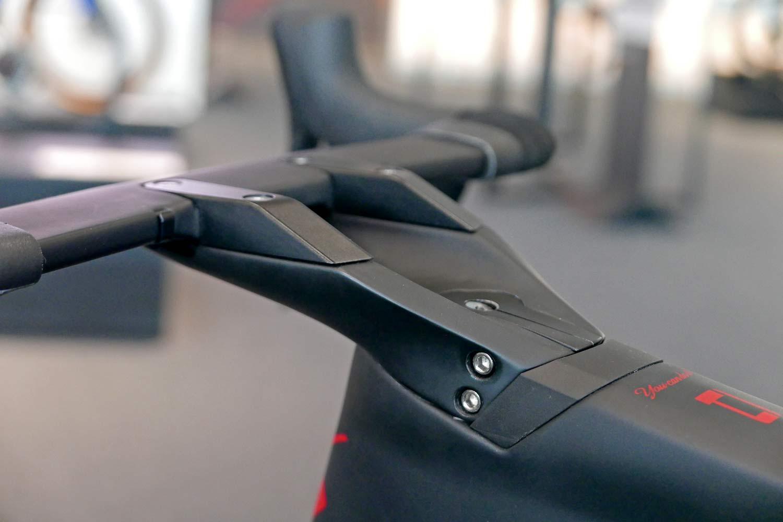 Simplon Pride II disc brake carbon aero road bike,adjustable aerodynamic integrated cockpit detail
