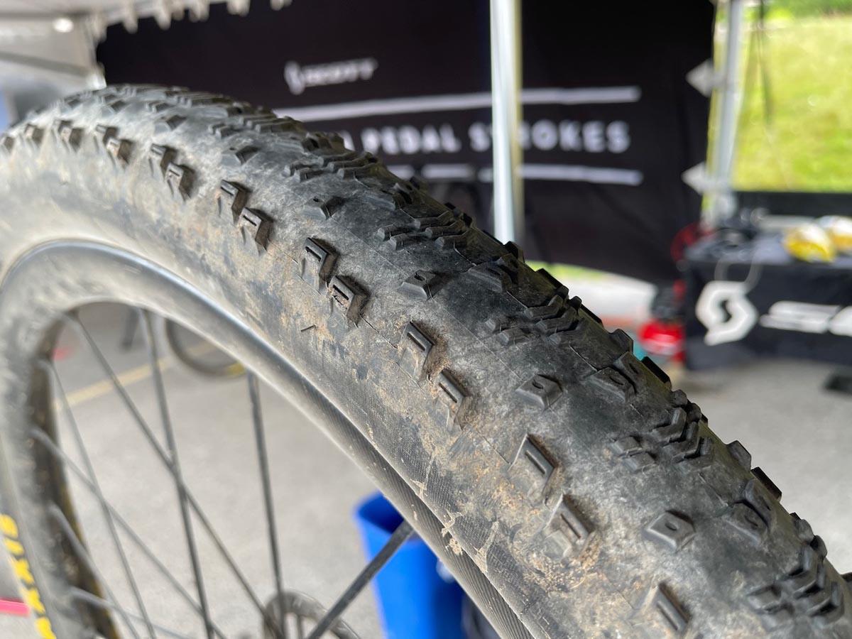 maxxis test pilot tires