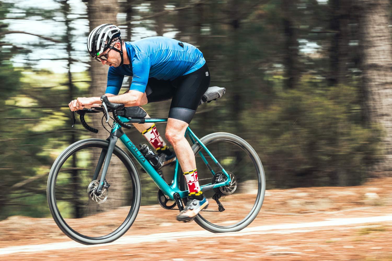 Basso Palta fast carbon gravel road bike - review: road-inspired fast, stiff, made-in-Italy, photo by Javi Echevarria Ruiz, TT
