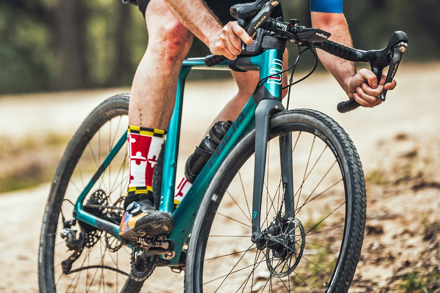 Basso Palta fast carbon gravel road bike - review: road-inspired fast, stiff, made-in-Italy, photo by Javi Echevarria Ruiz, riding detail